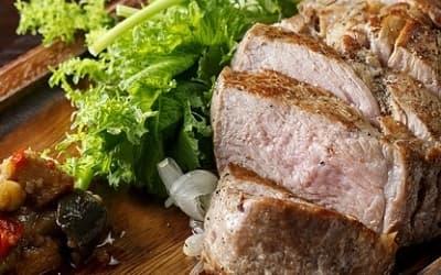 鉄板熟成豚の肩ロースステーキ