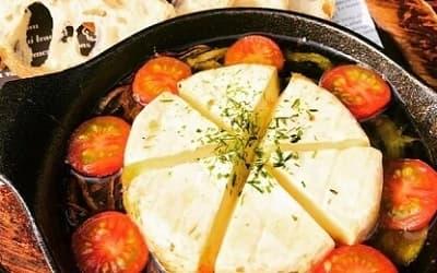 カマンベールチーズ丸ごとアヒージョ